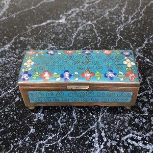 Vintage Chinese cloisonné enamel stamp box